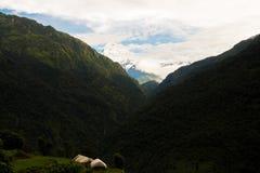 Pueblo de montaña Fotos de archivo libres de regalías