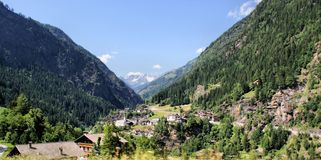 Pueblo de montaña en el Passeiertal Imagen de archivo