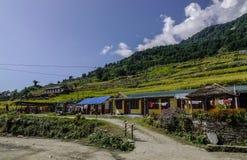 Pueblo de montaña en Pokhara, Nepal fotografía de archivo