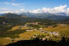 Pueblo de montaña francés Imagenes de archivo