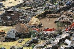 Pueblo de montaña peruano foto de archivo libre de regalías