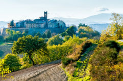 Pueblo de Montefabbri en Italia Imágenes de archivo libres de regalías