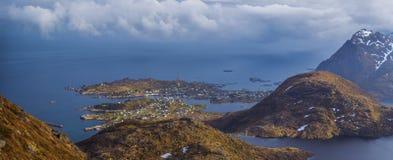 Pueblo de Moskenes, islas de Lofoten, Noruega Foto de archivo