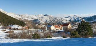 Pueblo de Njegushi Invierno en Montenegro Imagen de archivo