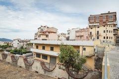Pueblo de Oliena, provincia de Nuoro, isla Cerdeña, Italia imagenes de archivo