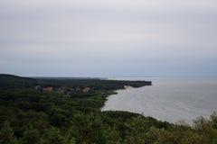 Pueblo de Rybachy en el escupitajo de Curonian Fotos de archivo libres de regalías