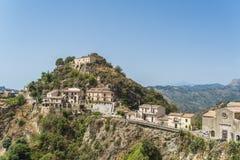 Pueblo de Savoca, Sicilia Imagenes de archivo