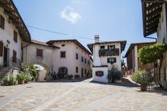 Pueblo de Smartno, Goriska Brda, Fotografía de archivo libre de regalías