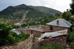 """Pueblo del """"rnalevà """"de CÃ, Albania del noreste imágenes de archivo libres de regalías"""