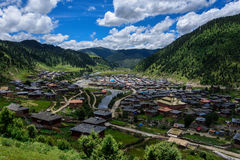 Pueblo del tibetano de Larima Imagen de archivo libre de regalías
