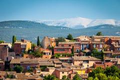 Pueblo el Rosell?n en Provence, Francia fotos de archivo libres de regalías