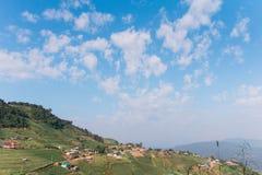 Pueblo en la montaña Foto de archivo libre de regalías