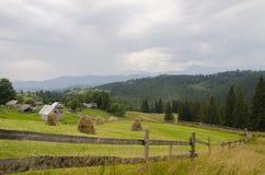 Pueblo en las montañas Imagen de archivo