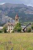Pueblo en las montañas francesas imágenes de archivo libres de regalías