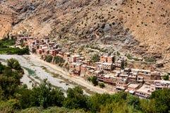 Pueblo en las montañas, Marruecos del Berber foto de archivo libre de regalías