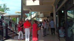 Pueblo en Merrick Park Miami FL almacen de video