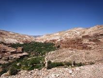 Pueblo en montañas de atlas Fotografía de archivo