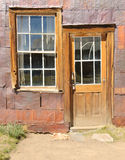 Pueblo fantasma de Bodie, construyendo en decaimiento arrestado Fotos de archivo libres de regalías