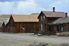 Pueblo fantasma de la fiebre del oro - Bodie California Imagenes de archivo