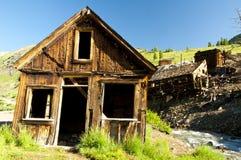 Pueblo fantasma de una mina de oro de trabajo. Foto de archivo libre de regalías