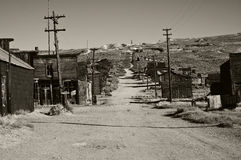 Pueblo fantasma viejo blanco y negro Imágenes de archivo libres de regalías