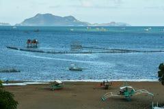 Pueblo filipino en el agua foto de archivo