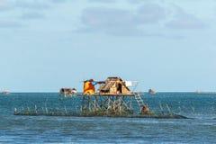 Pueblo filipino en el agua fotos de archivo libres de regalías