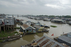Pueblo flotante de Chau doc. imagenes de archivo