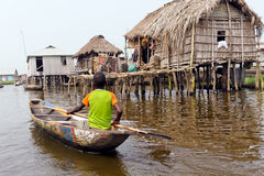 Pueblo flotante de Ganvie Fotos de archivo libres de regalías