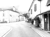 Pueblo francés en BW Foto de archivo