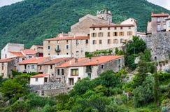 Pueblo francés pequeño y pintoresco de Mosset Fotografía de archivo