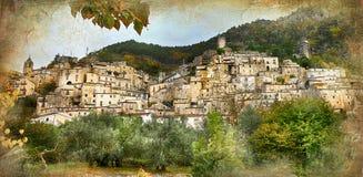 Pueblo italiano viejo - Pesche Imagen de archivo libre de regalías