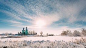 Pueblo Krupets, distrito de Dobrush, región de Gomel, Bielorrusia Time lapse de Timelapse del lapso de tiempo de la iglesia ortod almacen de video