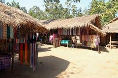Pueblo largo de la tribu del cuello fotografía de archivo libre de regalías