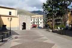 Pueblo medieval de Itri en Italia Imagenes de archivo