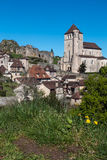 Pueblo medieval francés, santo Cirq Lapopie Imagen de archivo libre de regalías