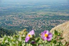 Pueblo mediterráneo Sorede al sur de Francia Fotografía de archivo libre de regalías