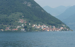 Pueblo Monte Isola Iseo Italy de Carzano imágenes de archivo libres de regalías