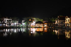 Pueblo oriental en la noche Foto de archivo libre de regalías