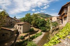 Pueblo pacífico de Potes, España Imagen de archivo libre de regalías