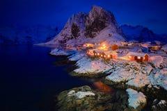 Pueblo pesquero de Hamnoy en las islas de Lofoten, Noruega foto de archivo