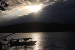 Pueblo pesquero de la puesta del sol Fotografía de archivo libre de regalías