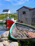 Pueblo pesquero de Nueva Escocia de la ensenada de Peggy Fotografía de archivo