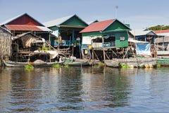 Pueblo pesquero flotante Foto de archivo libre de regalías