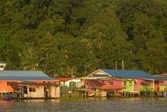 Pueblo pesquero, Kampung Salak, Borneo, Sarawak, Malasia Foto de archivo