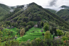 Pueblo pintoresco alpino alto Imagen de archivo libre de regalías