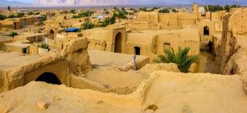 Pueblo pise-emparedado iraní fotografía de archivo