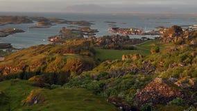 Pueblo por el mar en Noruega Imagen de archivo