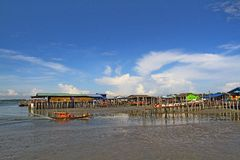 Pueblo Pulau Ketam (isla) del cangrejo, Malasia Imagenes de archivo