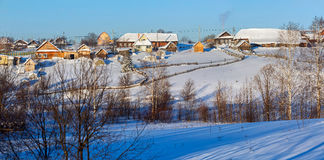 Pueblo ruso Visim del viejo-creyente en invierno Región de Sverdlovsk, Rusia Fotografía de archivo libre de regalías